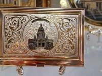 Визитница Санкт-Петербург, золотая